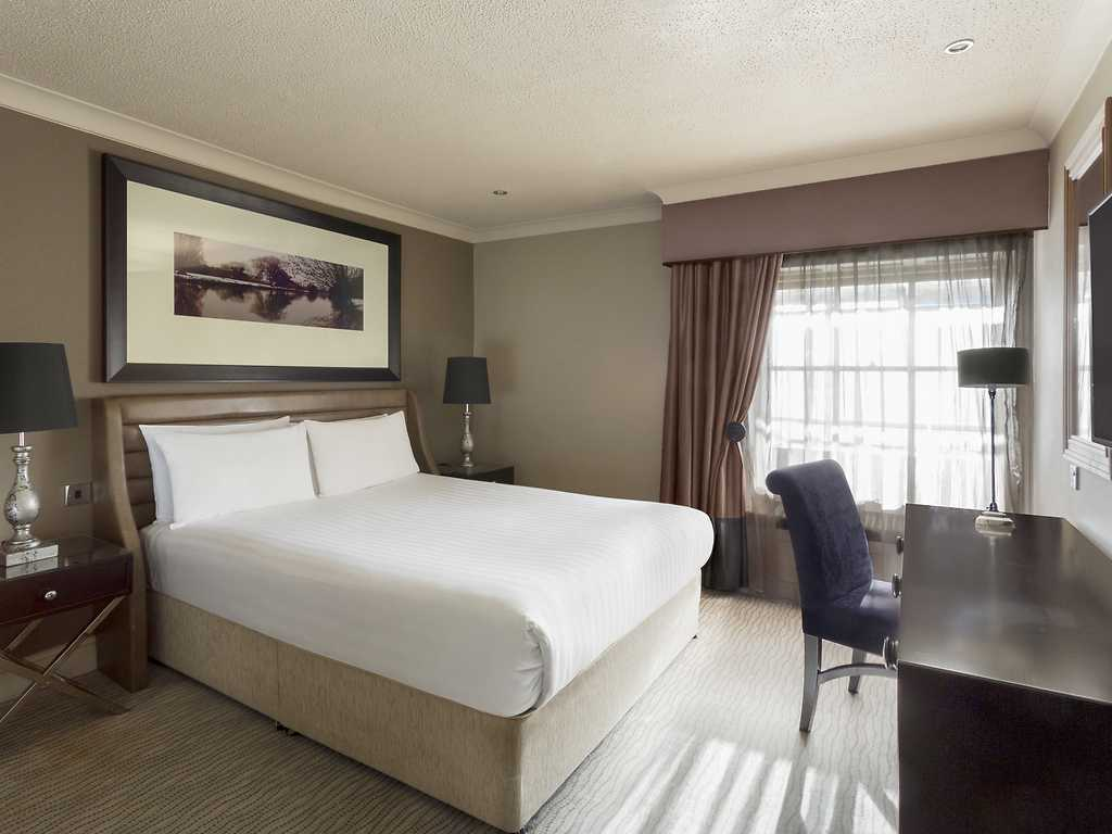 Luxury room, Bedford Swan Hotel