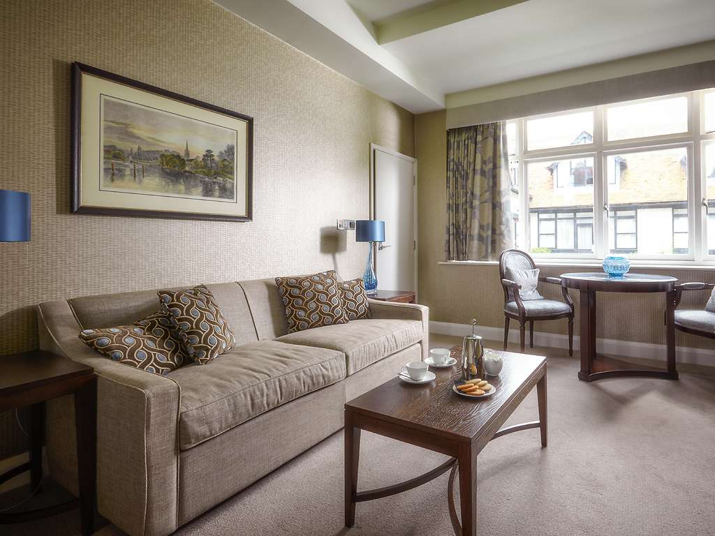 Junior Suite room, Danesfield House
