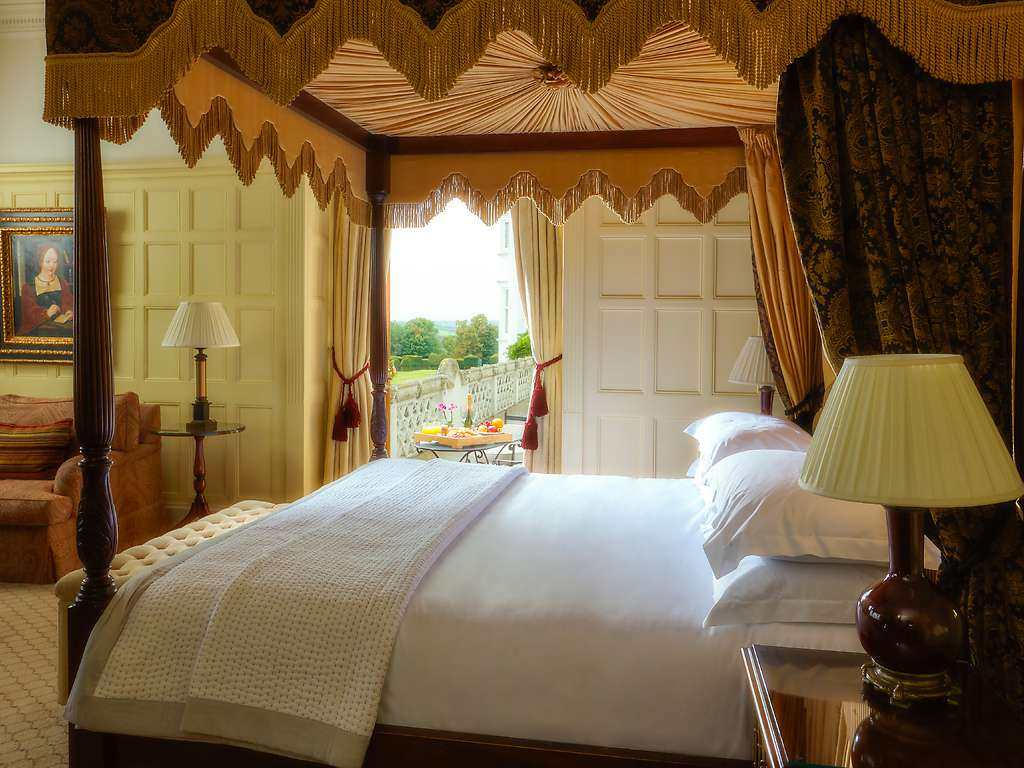 Deluxe room, Danesfield House