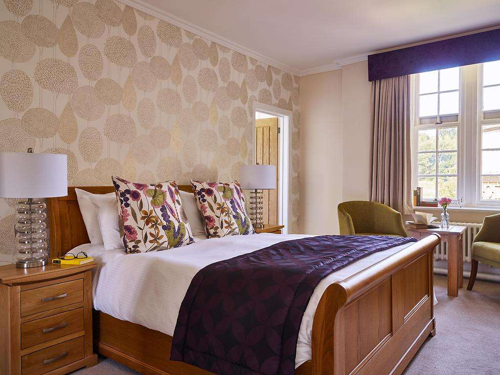 Superior Double room, Dumbleton Hall