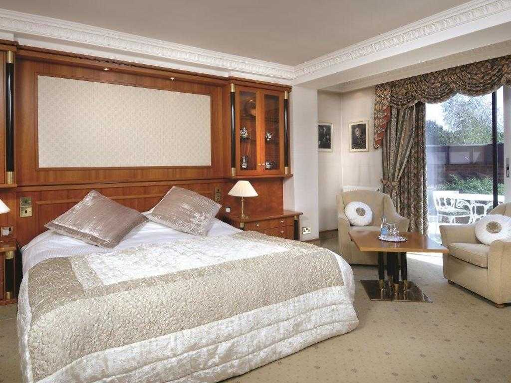 Classic Double room, Fredrick's Hotel Restaurant & Spa