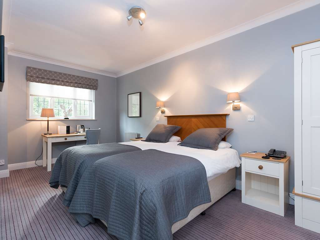 Standard Twin room, Gorse Hill