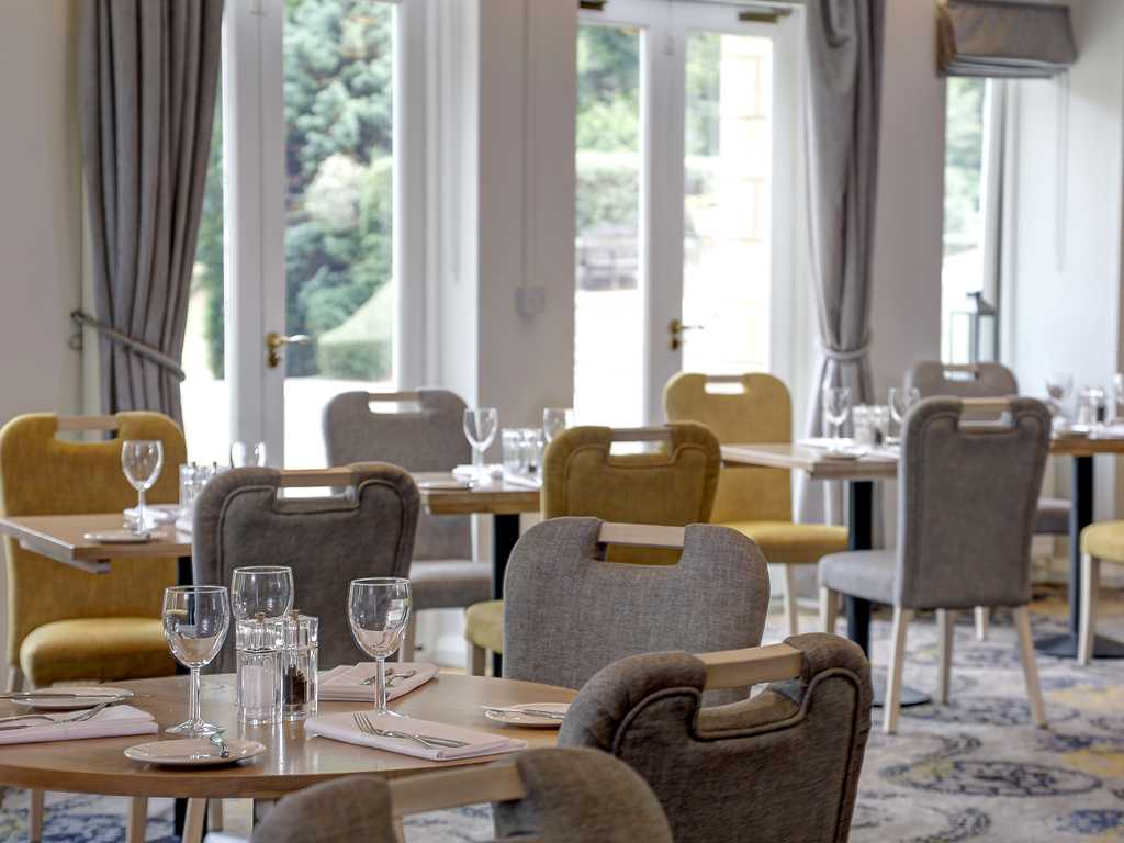 Lakeview Restaurant restaurant, Kenwood Hall Hotel & Spa