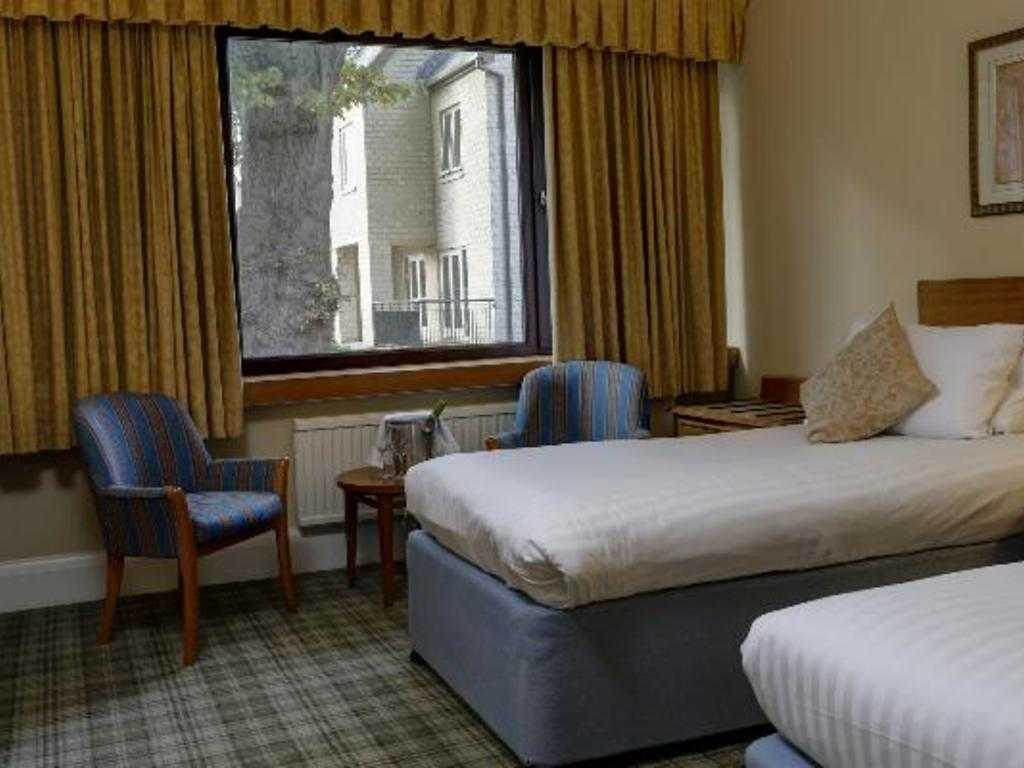Classic Twin room, Kenwood Hall Hotel & Spa