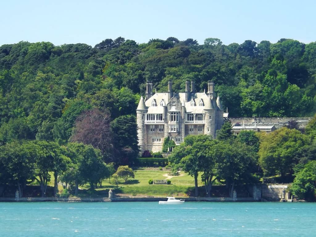 Chateau rhianfa hotel in north wales and anglesey luxury for Luxury hotel breaks