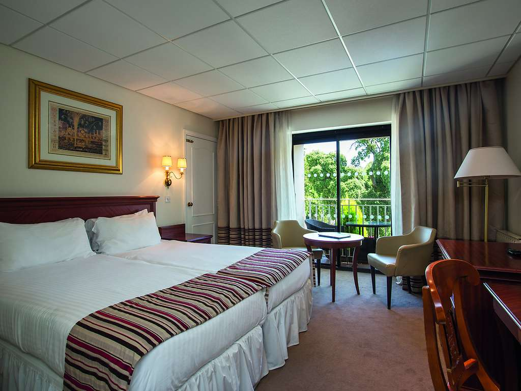 Classic room, St Pierre Park Hotel & Spa