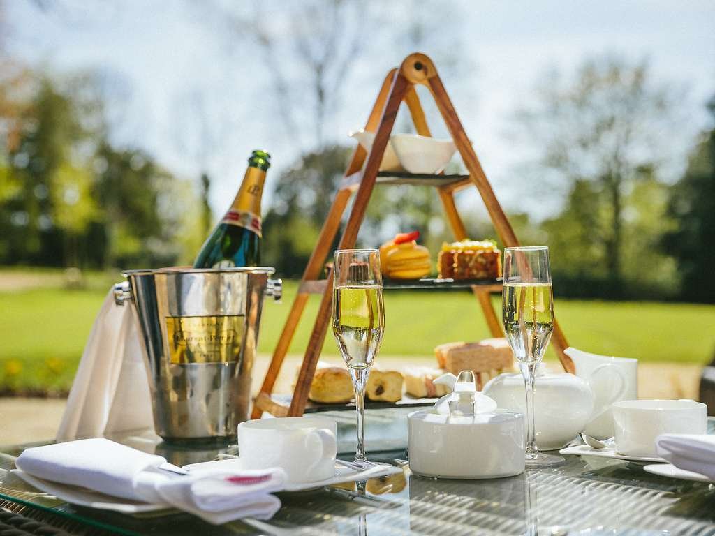 Sudbury House Hotel In Cotswolds And Faringdon Luxury