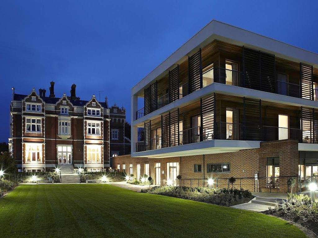Wivenhoe house hotel in east anglia luxury hotel breaks for Luxury hotel breaks